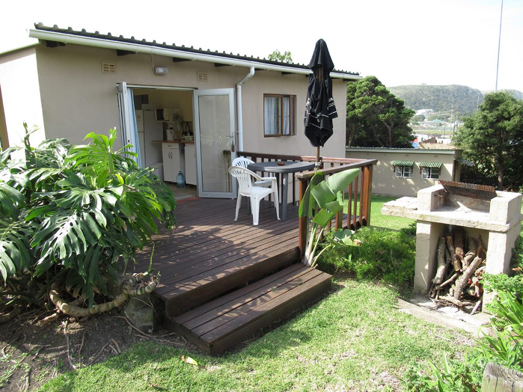 Accommodation Geckos Bed And Breakfast
